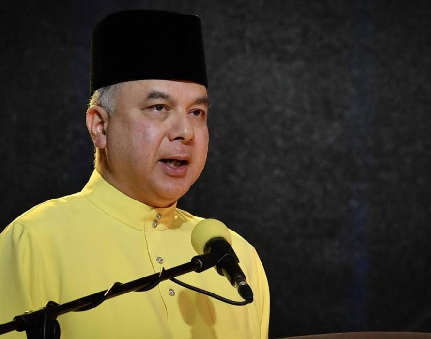 Sultan Nazrin admonishes self centred politicians