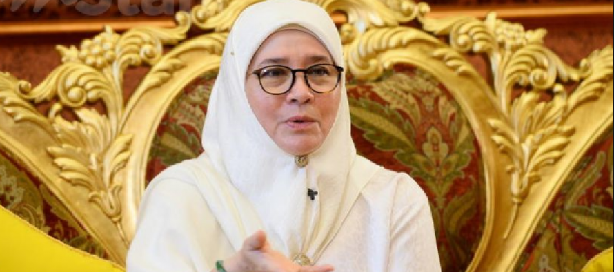 Permaisuri Agong irate over police crackdown on her critics
