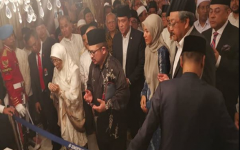 Wan Azizah attends former Indonesian President Habibie's funeral