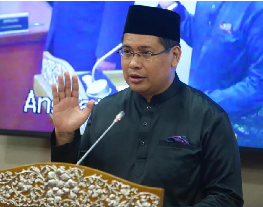 Mukhriz welcomes Musa Aman's son into Bersatu's fold