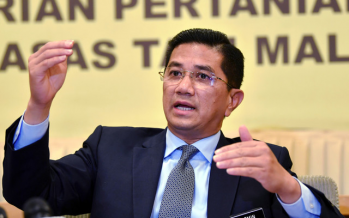 Azmin rubbishes claims he is working with UMNO to form new govt