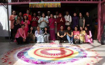 Mahathir: Malaysia celebrates festivals peacefully due to tolerance