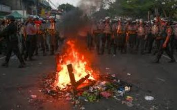 Protests in Jakarta ahead of new MPs swearing-in ceremony