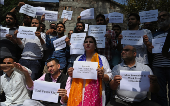 Journalists protest media curbs in Jammu, Kashmir
