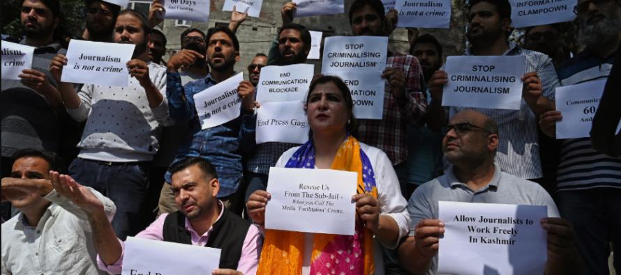 Journalists protest media curbs in Jammu, Kashmir