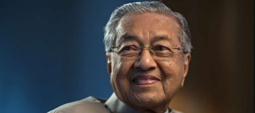 Dr Mahathir launches PPP initiative to combat financial crimes