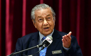 Defiant Mahathir stands by Kashmir comments