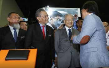 Mahathir: Malaysia the largest rubber gloves exporter in the world