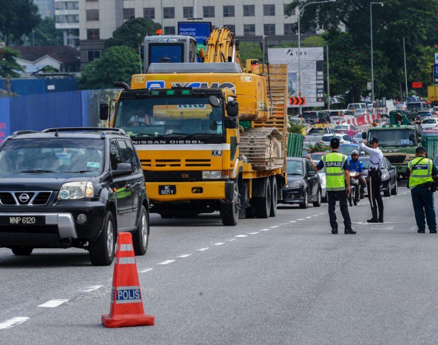 Traffic cop suffers injuries after tenant roof collapses