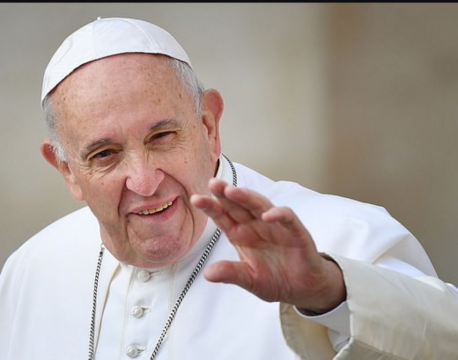 Pope to conservatives: Embrace changes in Church