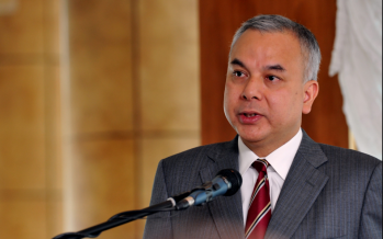 Quit if you have political ambitions, Sultan Nazrin tells mosque officials