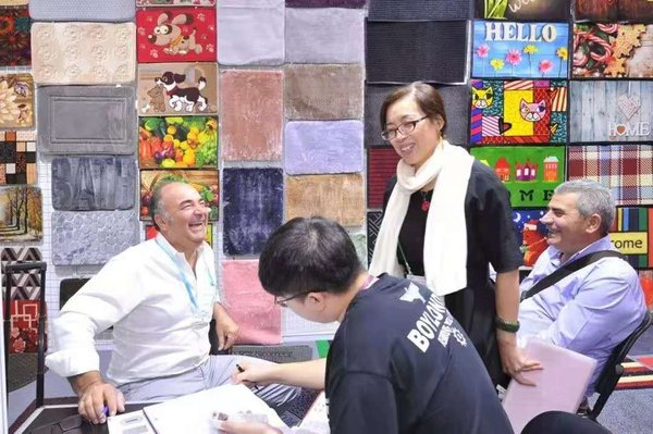 126th Canton Fair Shows Recovery of the Textile Market