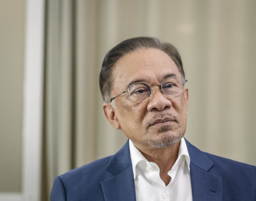 Anwar to topple Dr M? It's fake news! says the PKR supremo