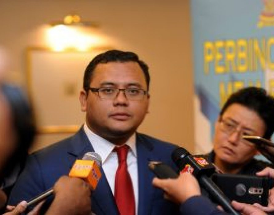 Amirudin urges local authorities to take action against errant employees