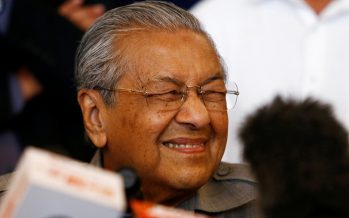 Dr M on quitting: People still love me, always taking selfies with me!