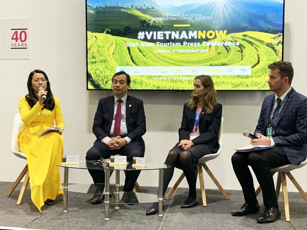 Mr Nguyen Trung Khanh - General Director of VNAT and Ms Nguyen Thi Anh Hoa - Deputy Director of Ho Chi Minh City Department of Tourism attending WTM London 2019