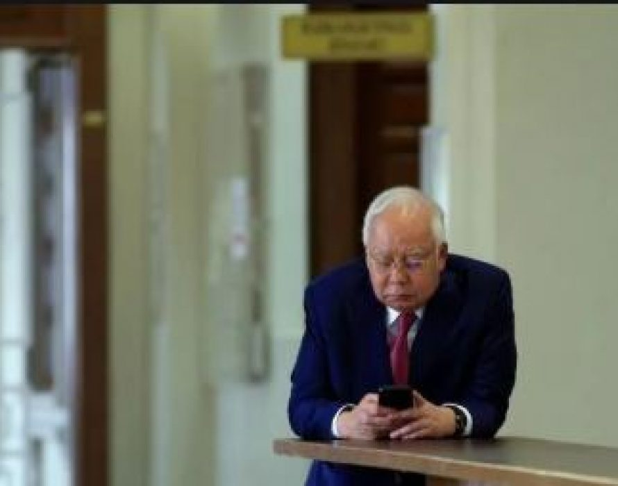 Najib: DAP will hold Mahathir accountable on Tanjung Piai lost
