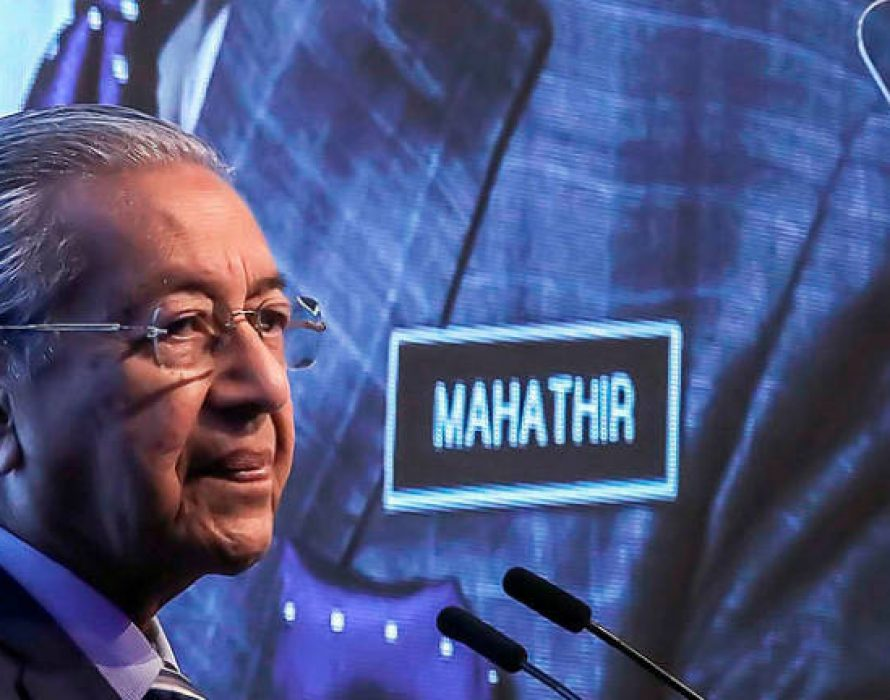 Mahathir: ASEAN needs to develop its own freighter capabilities