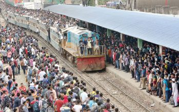 Bangladesh: Express trains collide killing at least 15