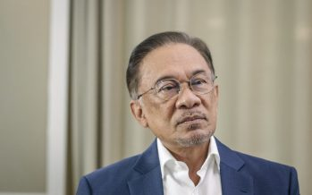 Anwar: Stop anti-Jawi meet, Malay groups may retaliate