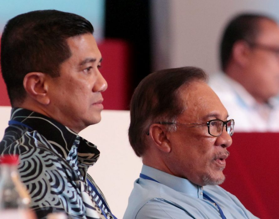 Azmin absent on last day of PKR congress