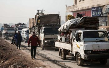 Tens of thousands flee as Syrian forces continue Idlib advance