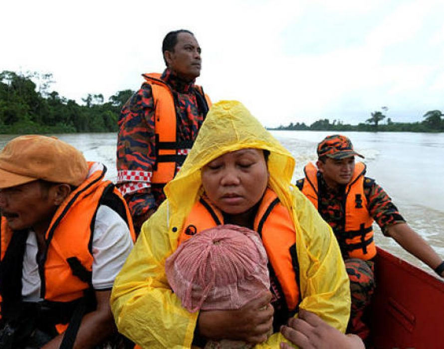 Floods in east coast states worsens, more 9,000 people evacuated