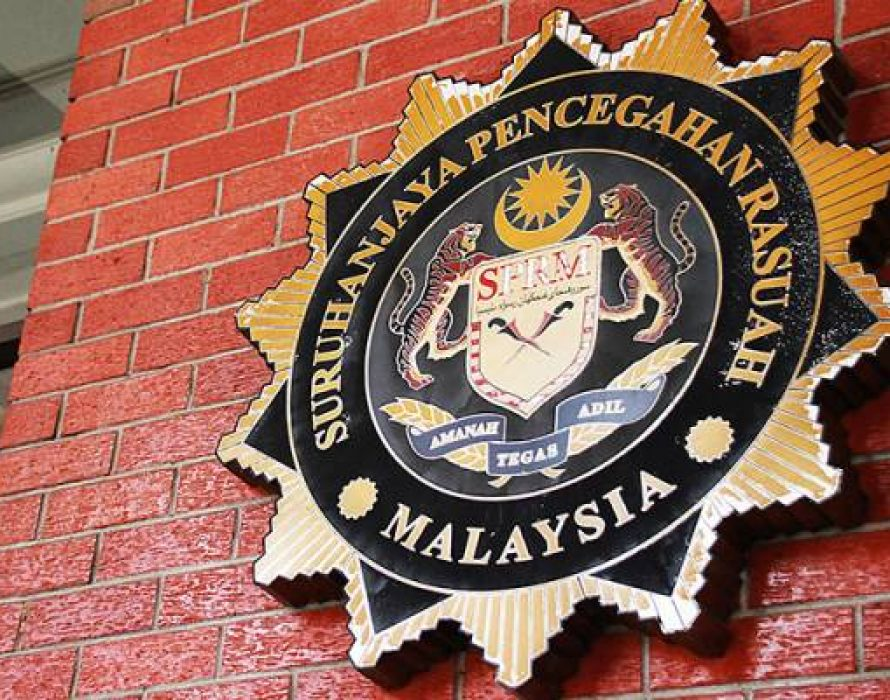 Former private secretary of former minister charged with another six counts of accepting gratification