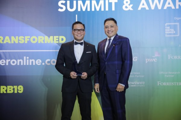 Global Retail Banking Innovation Awards 2019. Award received by FVP Michael Magbanua, Customer Engagement Group Head, UnionBank