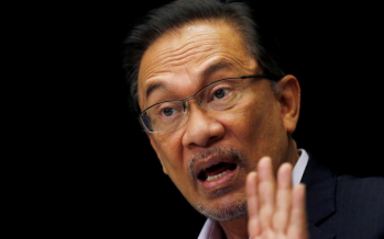 Anwar: Dr M can stay in the Cabinet when I'm PM