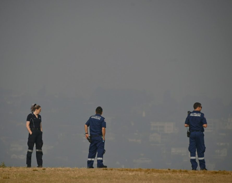 Australia 'open for business' as cool change eases bushfire threat