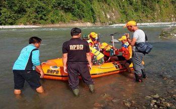 Collapse of footbridge over Indonesia river kills at least nine