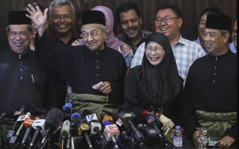 Pakatan should reform itself first, Dr M should also go