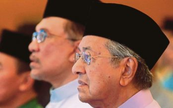 Self-serving politicians, businessmen trying to block Anwar's rise to power