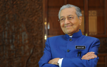 Mahathir proposes to lead 'unity government' – sources