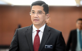 Azmin: Everyone has the right to protest peacefully