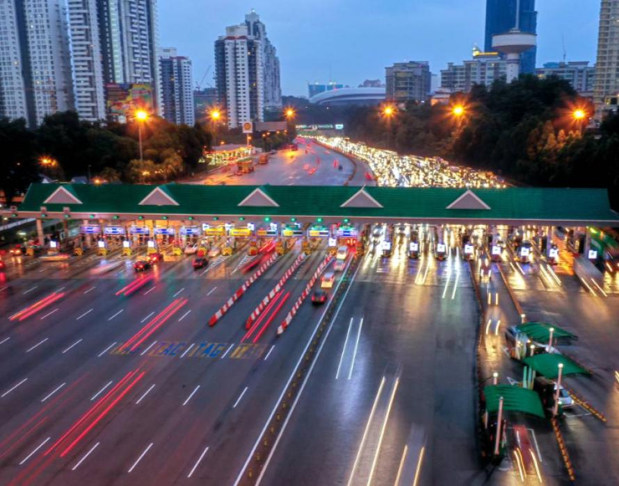 PLUS: temporary closure of right lane between Senai Utara and Kulai
