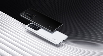 HUAWEI P40 Pro in Ice White and Black