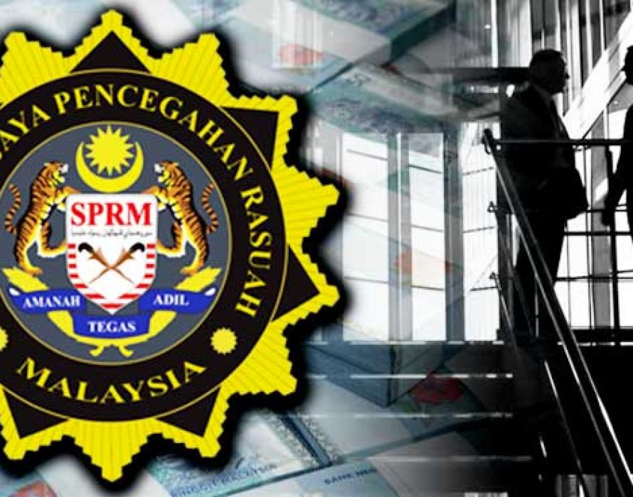 Two police officers claim trial to bribery charges