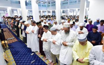 COVID-19 : S'pore Muslims accept no Friday prayers decision as sacrifice for nation