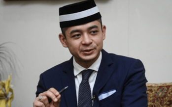 Tengku Hassanal donates six months allowance to COVID-19 Fund