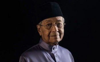 Mahathir: Muslims need to accept restrictions, fight desires during Ramadan