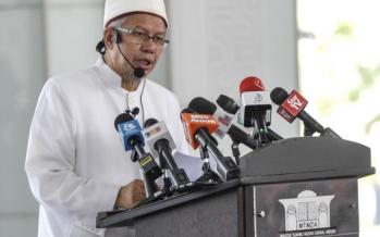 Zulkifli to discuss on haj plans with Saudi envoy next week