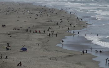 Warm weather draws crowds in some cities as parts of U.S. start easing coronavirus lockdowns