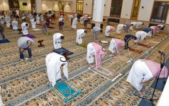Saudi Arabia reopens mosques with strict regulations for worshippers