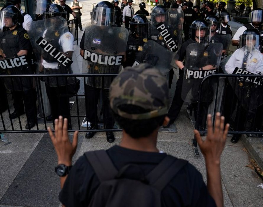 Police fire rubber bullets, tear gas to disperse peaceful protest near White House