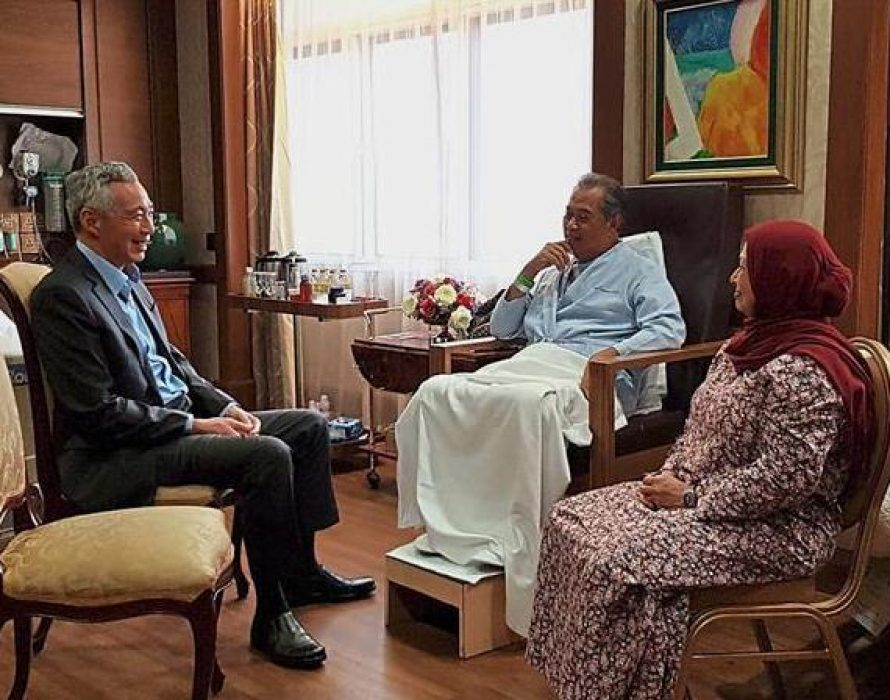 Muhyiddin and Singapore PM Lee meet on Johor Causeway on RTS project