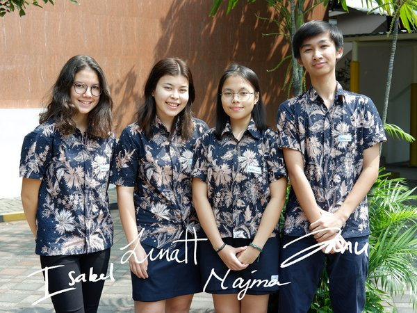 ACG School Jakarta's students helped people affected by COVID-19.