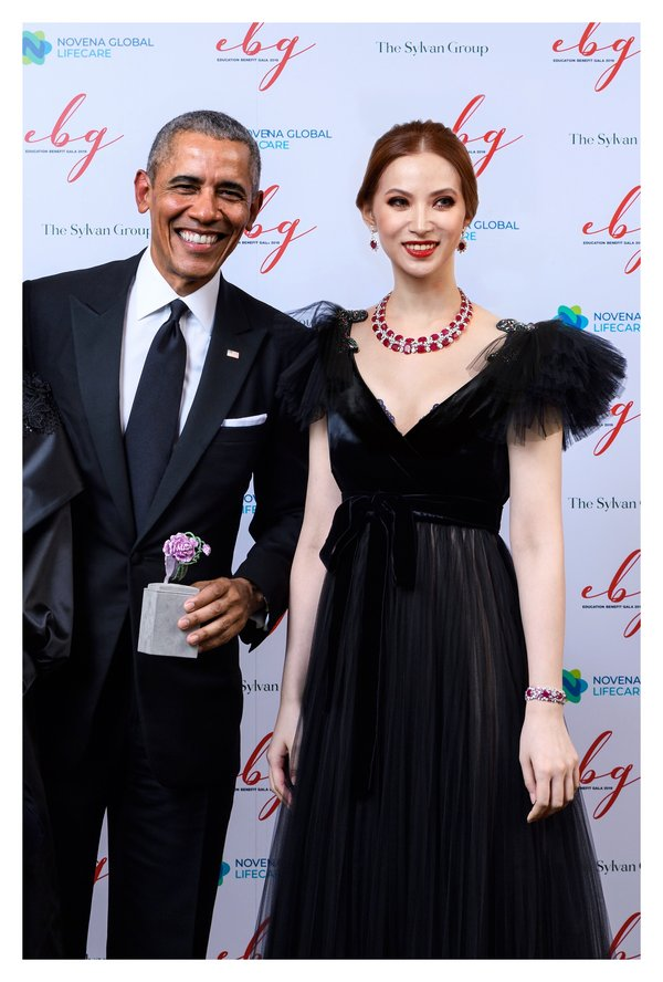 'La Rosa' bracelet – donation to President Barack Obama