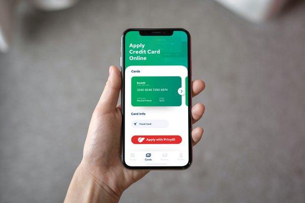 An illustration of online credit card application using PrivyID's digital signature.